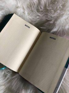 Bible Review NIV Artisan Collection Bible for Girls Image 8 #biblesforgirls #biblereview #biblesforteenagers #journalingbibles #bibleartjournaling #journalingartbibles #bibleart #biblejournaling #bibleartjournaling #bibleartjournalingforgirls